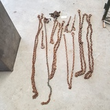 LOT OF CHAINS WITH HOOKS AND BINDERS