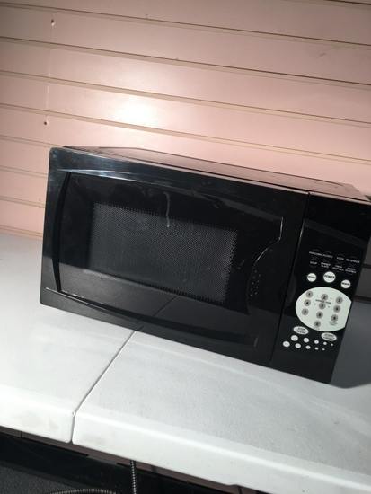 Black Household Microwave Oven
