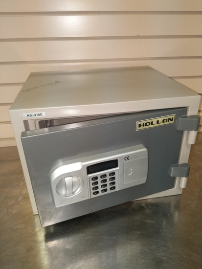 Hollon Digital safe with combination and works well