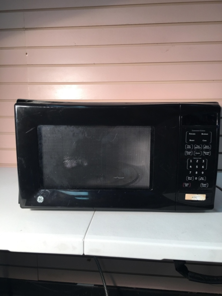 GE Black Household Microwave Oven