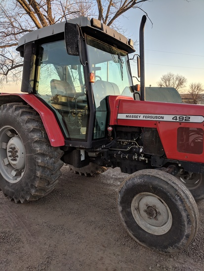 Massey Ferguson 492 Utility Tractor