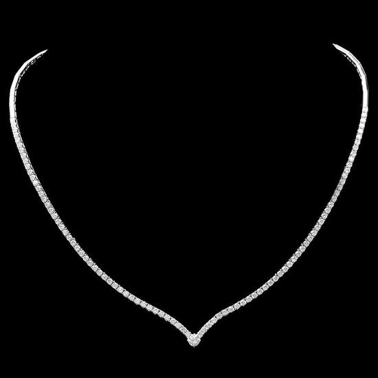 ^18k White Gold 4.00ct Diamond Necklace