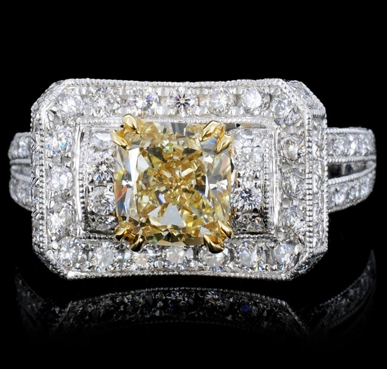 18K Gold 2.31ctw Fancy Color Diamond Ring