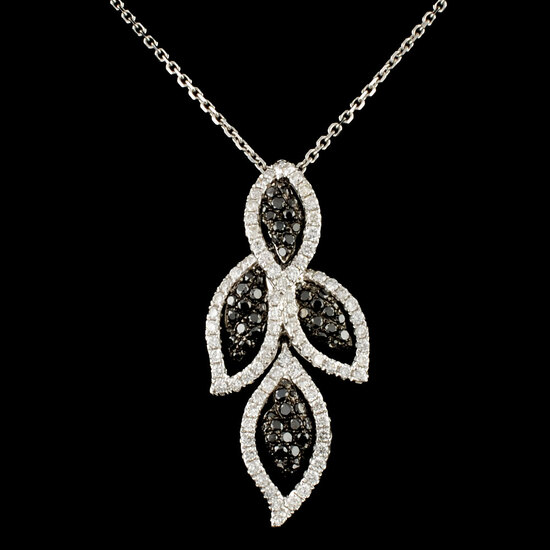 14K Gold 1.08ctw Diamond Pendant