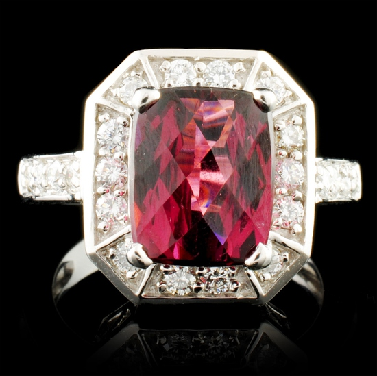 14K Gold 4.14ct Garnet & 0.52ctw Diamond Ring