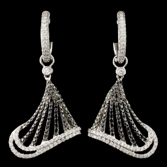 18K Gold 2.15ctw Diamond Earrings