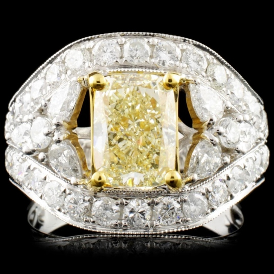 18K Gold 3.84ctw Fancy Colored Diamond Ring