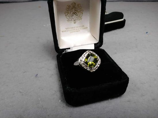 (1) Set of Costume Jewelry Peridot Ring, Necklace and Studded Earrings