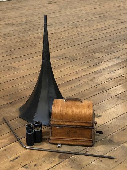 Edison Standard Phonograph Model D w/ (24) Phonograph Cylinder Records