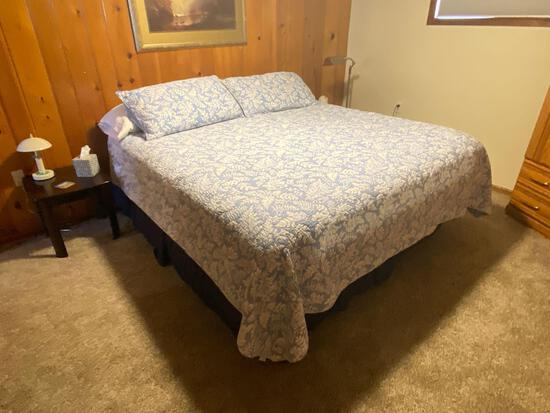 Serta King Size Pillow Top Mattress, Boxspring & Frame