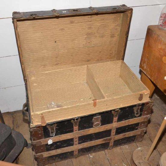 Vintage Trunk W/top Storage Sh
