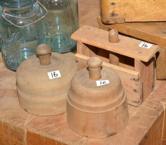 Small Wooden Stand & (4) Woode
