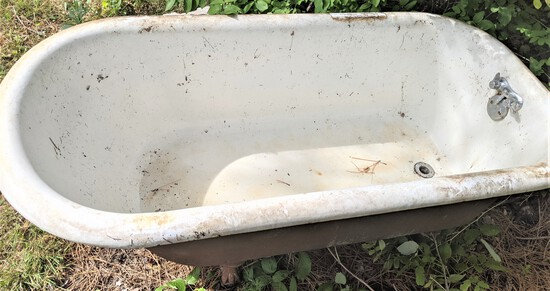 Claw Cast Iron Tub
