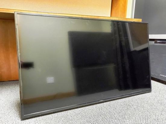 2 TV flatscreens