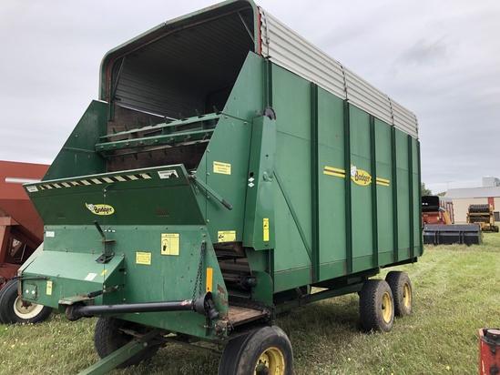 Badger 1042 Tandem Axle Forage Box