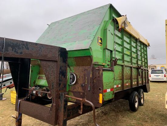 John Deere Silage Box On Gooseneck Trailer
