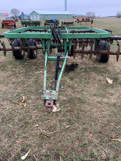 John Deere 210 12 Ft Disc