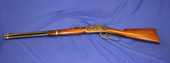 Winchester Model 1894 Saddle Ring Lever Action Rifle Caliber: 32ws
