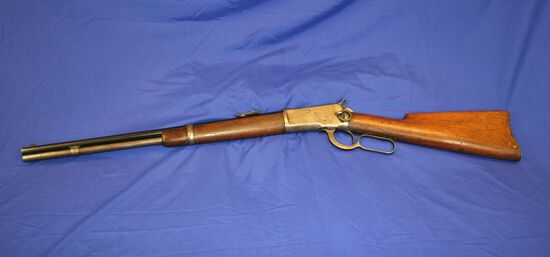 Winchester Model 1892 Saddle Ring Lever Action Rifle Caliber: 32wcf