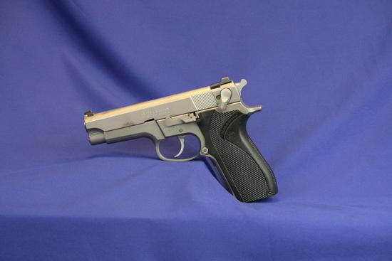 Smith & Wesson Model 5906 Pistol Sn:tfs7090