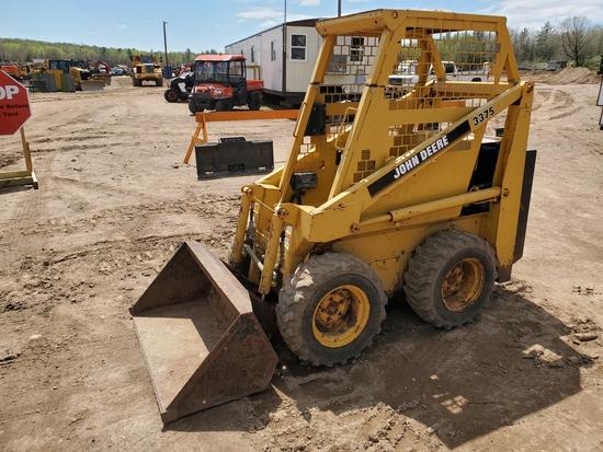 Deere 3375 Mini Skid Steer