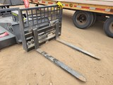 Unused Skid Steer Hydraulic Pallet Forks