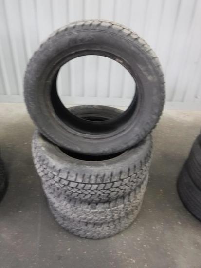 Artic Claw Winter Txi M&S 205/60 R15