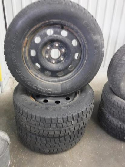 (3) Cooper Discovery M&S 245/70 R17