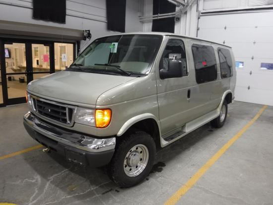 2005 Ford E250 Handicap Van