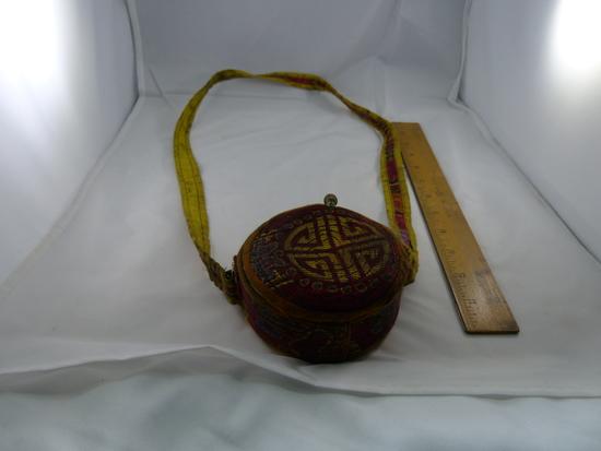 Antique Tibetan EARTH TOUCHING BUDDHA Prayer Box