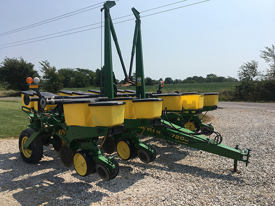 "JD 7200 Conservation MaxEmerge 2 No-Til vacuum planter 8/38"", 2nd owner low acreage."