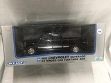 1999 Chevrolet Silverado Extended Cab, Fleetside box, 1:18 scale, Welly