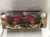 1940 Ford Coupe, 1:18 scale, Motor Max, damage to box