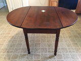 42 ins 52 in Drop Leaf Table