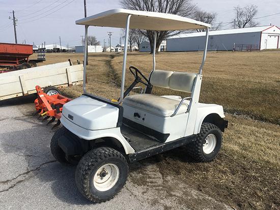 Yamaha gas golf cart, runs (Consigned by Tim St. Clair 660-341-4181)