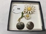 Weiss Flower Pin and 2 Art Deco Boucher Scatter Pins