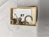Scrap gold Krementz Button 14 kt, hoop earrings and Faux Pearl 10 kt.