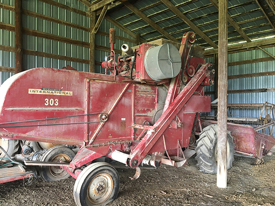 INT 303 Gas Combine, Sell w/ Bean Platform, Stored Inside, Has Not Been Used in Years, Sold as Found