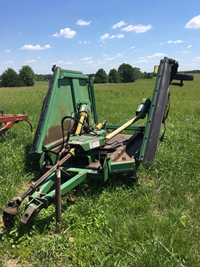 JD 1518 Batwing Rotary Cutter, 1000 PTO, Laminated Wheels, Good Working Condition.