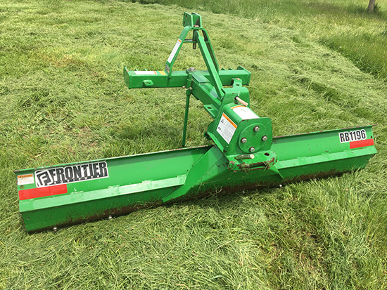 Frontier RB1196 Quickhitch 8 ft Angle Blade. Good Condition.