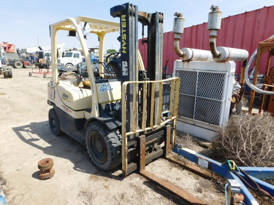 (1210210) 2006 HYSTER H50FT GAS POWERED FORKLIFT SN: L177B05034D W/ 4' FORK