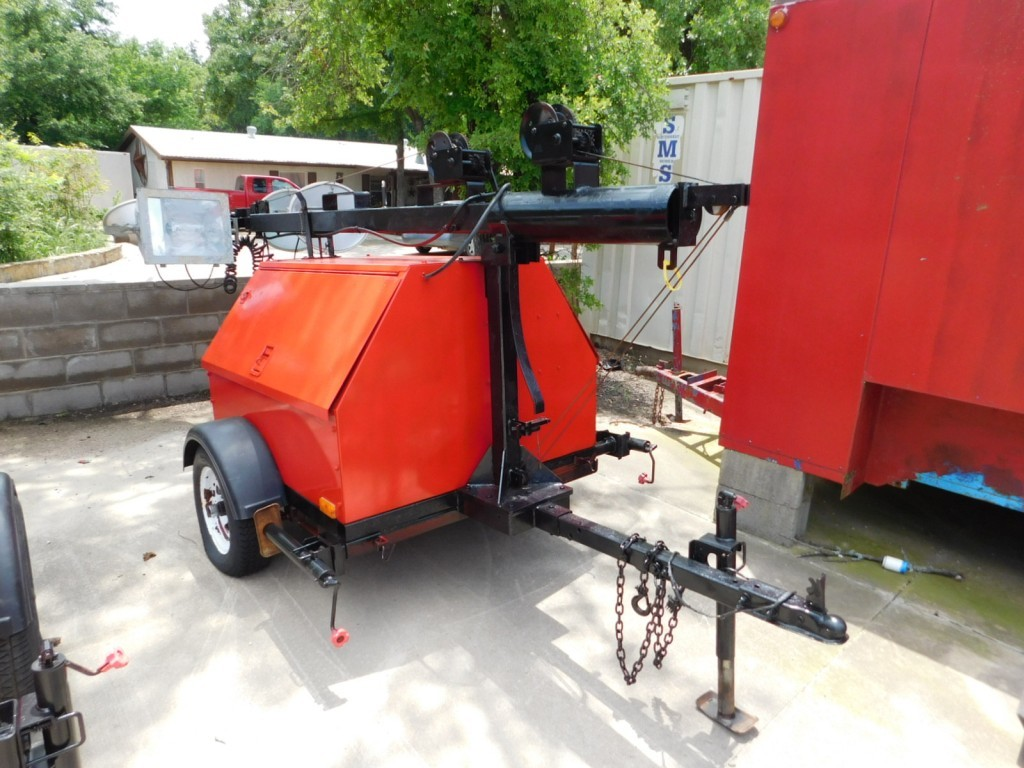 (X) 2007 MAGNUM 6KW S/A PORTABLE LIGHT TOWER/ GENERATOR P/B 3 CYL DIESEL EN