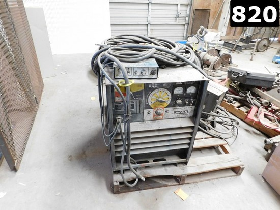 (9415003) LINCOLN IDEAL ARC DC-400 WELDING MACHINE (11293652) LOCATED IN YA