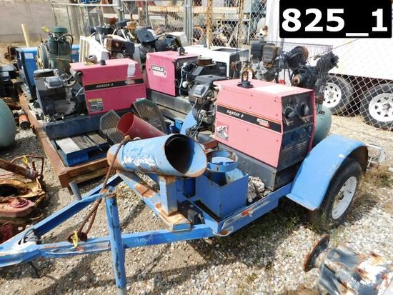 (X) (1310615) LINCOLN RANGER 8 GAS WELDING MACHINE & CHAMPION 8HP-30 GAL AI