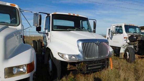 "(1434400) (X) 2006 INTERNATIONAL 4300 SBA S/A CAB & CHASSIS, 205"" WB, VIN- 1HTMMAAM27H334400, P/B"