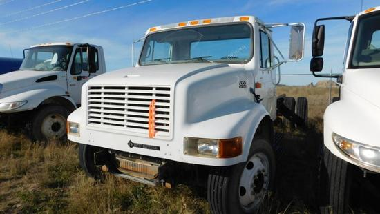 "(1481499) (X) 2001 INTERNATIONAL 4700 S/A CAB & CHASSIS, 254"" WB, VIN- 1HTSCAAM51H381499, P/B DT466E"