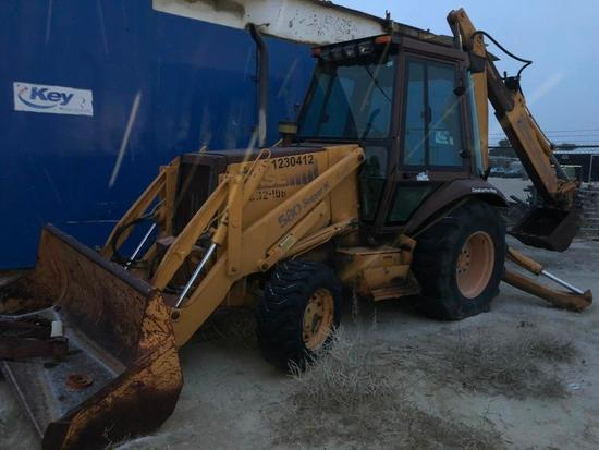 (1230412) CASE 580 SUPER K 4X4 BACKHOE, SN- 1JAB0024600, P/B DIESEL ENGING, W/ FORKS *LOCATED IN