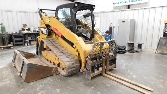 Located in YARD 6 - Midland, TX (Greenwood) (8275) CAT 299D TRACKED SKID LOADER,