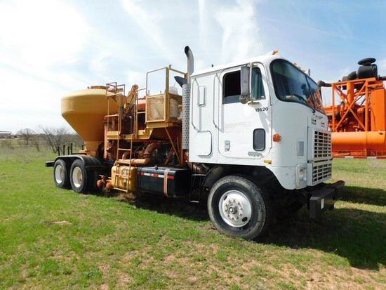 (X) (19620) 1988 INTERNATIONAL T/A CABOVER CEMENT MIXER TRUCK, VIN- 1HTRDGPT3JH5