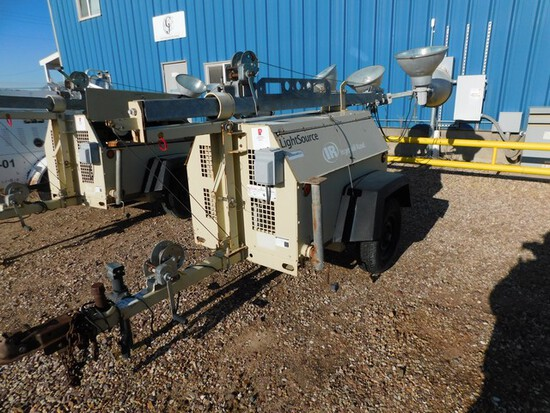 (5465) INGERSOLL RAND LIGHT TOWER, P/B KABOTA 3 CYL DIESEL, MANUAL WINCH, SHOWS